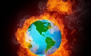 تصویر با کیفیت کره آتشین کره زمین در حال سوختن
